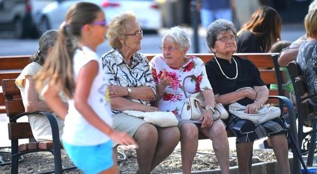 Pensioni, oltre 7 milioni di famiglie salvati dall'assegno dei nonni