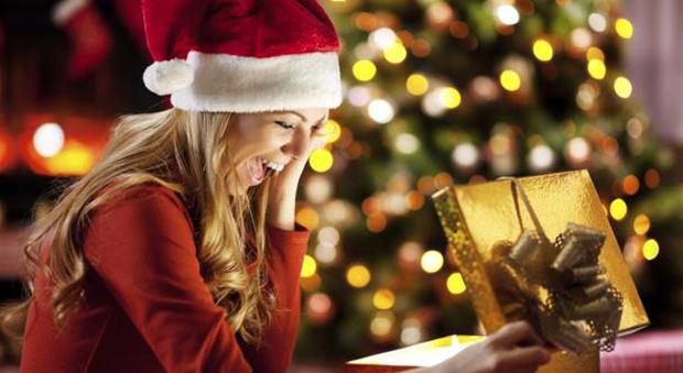 Regali Di Natale Per Tutti.Regali Di Natale 10 Proposte Beauty E Make Up Anche Per Lui