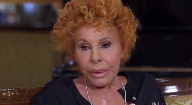 ornella vanoni: «fumo canne da 55 anni, mi servono badanti che sappiano rollare...»