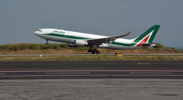 Compagnie aeree, allarme fallimento: Alitalia torna allo Stato