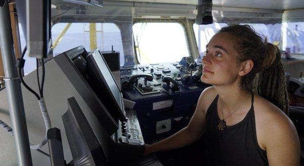 Sea Watch, la comandante sotto inchiesta: «Immigrazione clandestina»