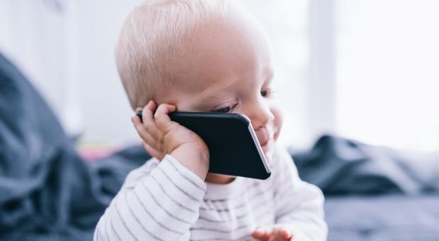 I ministeri devono informare sui rischi dei telefonini