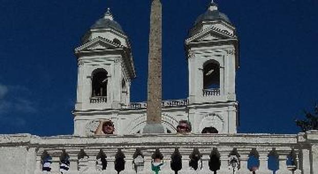 Roma, a Trinità dei Monti dopo il restauro nell'epigrafe del '700 la parola in latino è sbagliata