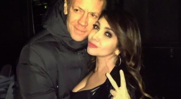 Cristina D'Avena e Rocco Siffredi, social scatenati dopo il selfie di Capodanno