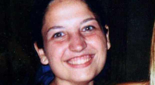 Omicidio di Garlasco, la difesa ha chiesto di esaminare un capello nelle unghie di Chiara