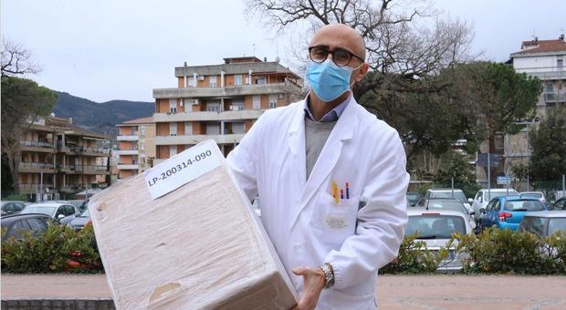 Terni, mille mascherine per l'ospedale: la donazione dell'Ast