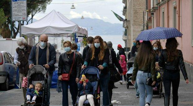 Coprifuoco Campania, De Luca: «Chiusure da venerdì alle 23. Le scuole elementari riaprono»
