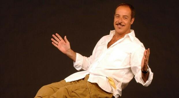 Massimo Lopez narra la sua vita: «I pranzi con Walter Chiari, le patate cucinate da Mina... Anna Marchesini? Una folgorazione»