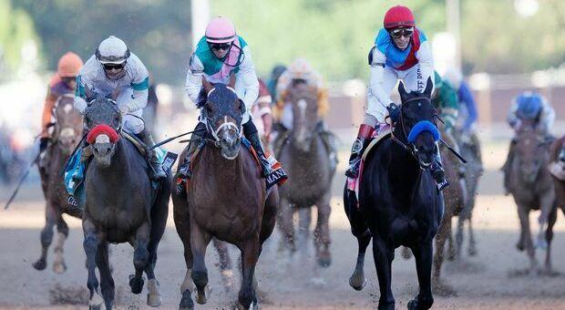 Kentucky Derby: vittoria a sorpresa di Medina Spirit