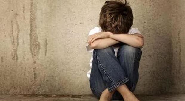 Bimbo undicenne segregato in casa: il pm chiede 12 anni per i genitori e la zia