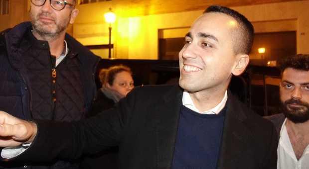 Di Maio a Pomigliano: 'Sforbiciata agli stipendi tv'