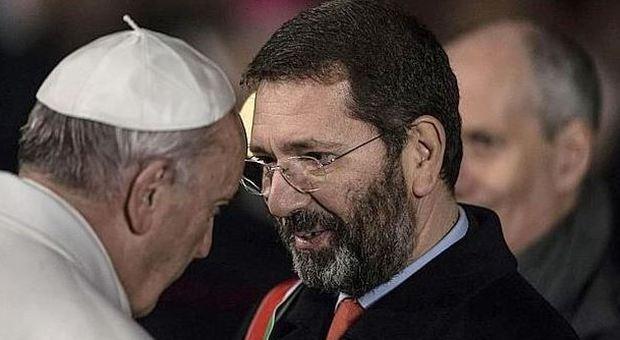 Caso Marino, sindaco bacchetta il papa: «A quella domanda non avrei risposto»