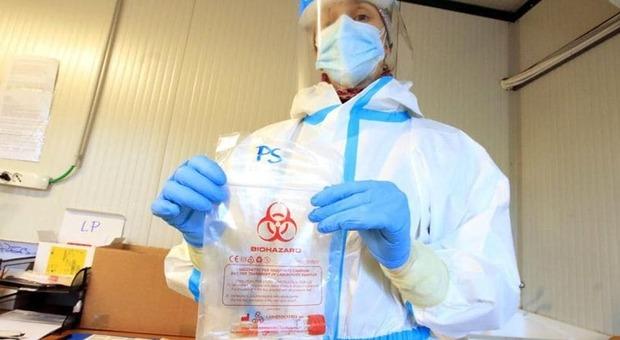 Coronavirus, in Abruzzo si abbassa la positività: da domani fascia arancione