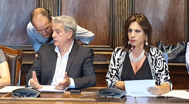 Crisi, lavori pubblici a FdI. Rifiuti a Micci? «Non li voglio». Forza Italia, sulla Provincia «nessuno può dirci cosa fare»