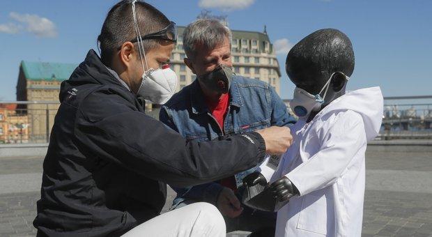Virus, record di morti in Brasile e negli Usa: nuovo allarme a Seul