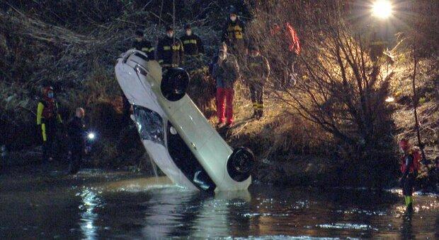 Trento, con l'auto nel fiume Adige: morti una donna di 69 anni e il figlio di 27