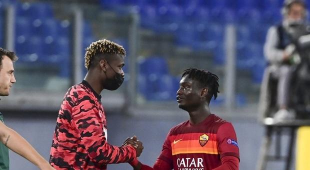 Darboe con Pogba al termine del match (foto Lapresse)