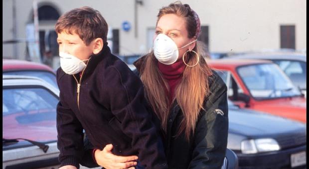 Il pediatra Capitoli agli adolescenti: «Mettersi la mascherina è figo perchè il futuro dipende da voi»