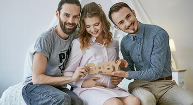 Lettera a Conte per bloccare pubblicità per l'utero in affitto, appello da Associazione Famiglie e Scienza e Vita