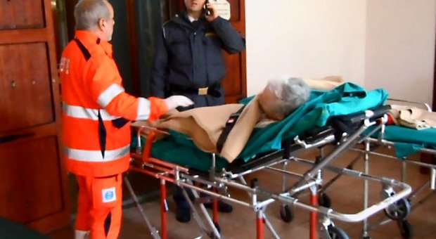 Gran Bretagna, dramma Covid: 27.000 persone morte in più in casa per gli ospedali pieni