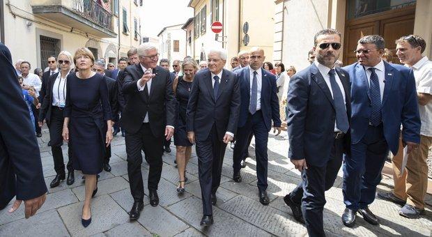 Eccidio nazista di Vinca, il presidente tedesco Steinmeier davanti a Mattarella: «Provo solo vergogna»
