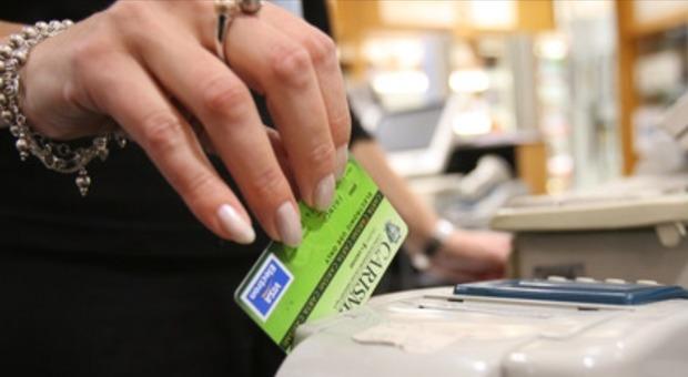 Carte di pagamento, frodi in aumento e clienti disarmati