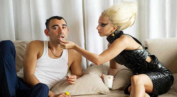 Nicola Formichetti con la sua musa Lady Gaga