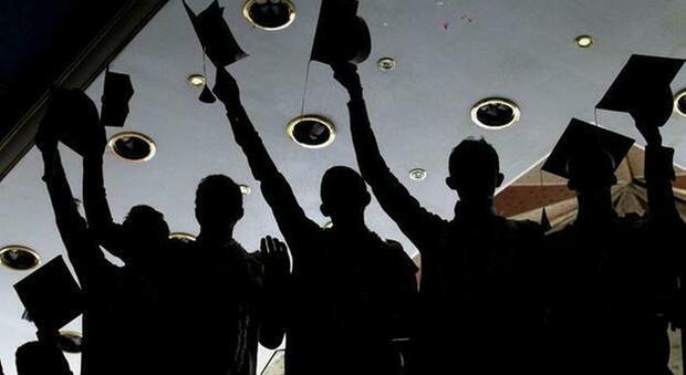 Festa di compleanno di un 18enne con 56 invitati: ma al ristorante arrivano i carabinieri