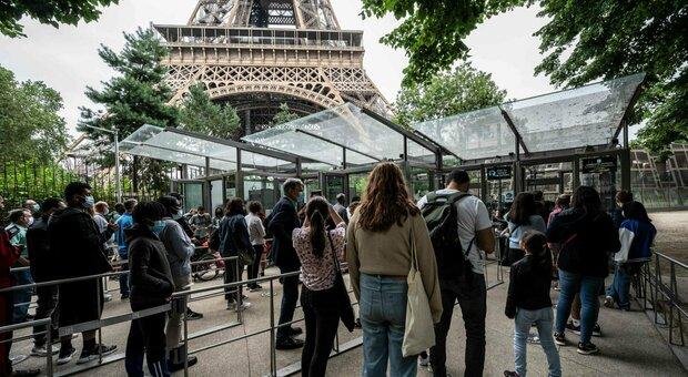 Variante Delta in Francia, sfondato il muro dei 10.000 casi in un giorno: il doppio rispetto a 7 giorni fa