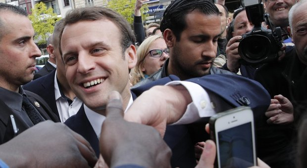Macron con Benalla