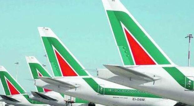 Alitalia, prende quota l'ipotesi Fs: il governo al lavoro contro il piano dei tagli di Air France