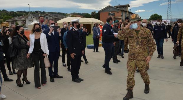 Vaccino, il generale Figliuolo: «L'Abruzzo è sull'obiettivo, tre team mobili per le zone rurali e montane» (foto Max)