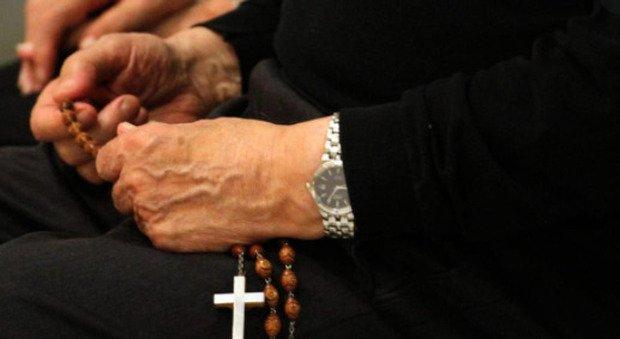 Sacerdote abusava di minori durante il catechismo: arrestato parrocco di piazza Armerina