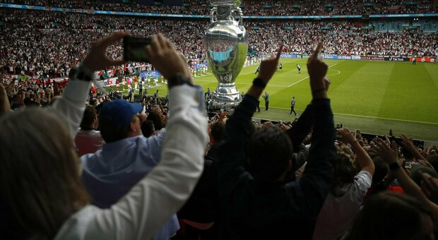 Italia-Inghilterra, Wembley fischia l'inno di Mameli: a vuoto l'appello di Southgate della vigilia