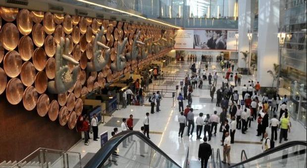 India, sospetta fuga radioattiva all'aeroporto di Dehli: chiuso terminal