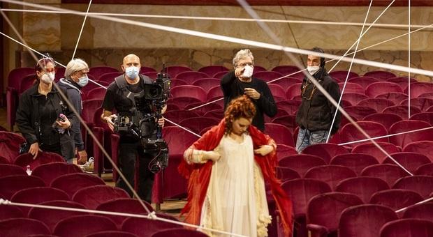 Il Barbiere di Siviglia, opera film, regia Martone (nella foto sul set al Costanzi)