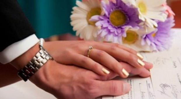 Matrimonio lampo: la sposa chiede il divorzio dopo tre minuti