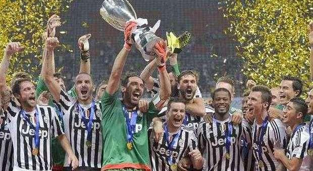 Supercoppa, vince ancora la Juve Lazio battuta 2-0 a Shanghai A segno Mandzukic e Dybala