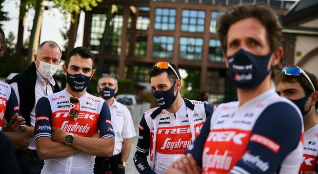 Ciclismo, domani al via il 104° Giro d'Italia. Al via anche il due volte maglia rosa Vincenzo Nibali