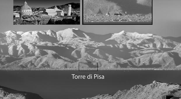 La foto all'infrarosso della Torre di Pisa ripresa dalla Corsica