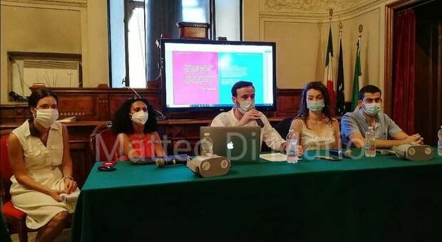 Un momento della presentazione in Sala Consiliare (foto Di Mario)