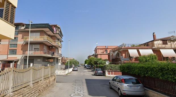 Roma, imprenditore sequestrato in casa da finti poliziotti: rubati 50 mila euro
