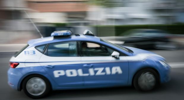 Latina, sorpresi a rubare rapinano i proprietari: presi