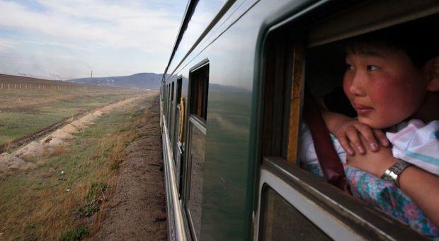 """Peste """"nera"""" in Mongolia, due contagi e scatta la quarantena: «Hanno mangiato carne di marmotta»"""