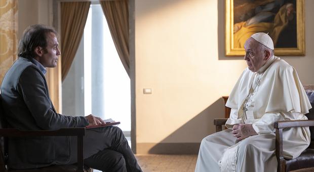 Papa Francesco: «Siamo caduti nella cultura dell aggettivo, ma Dio ama la persona»