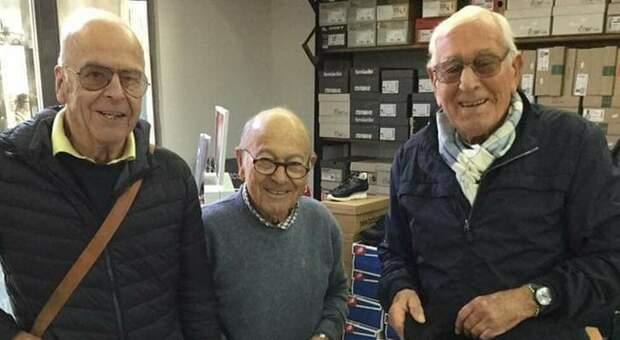 Roberto Guerrucci al centro, insieme al compianto Giuseppe Maggi (a sin.) e al professor Giorgio Vercesi