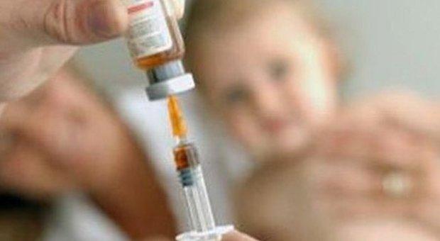 Milano, «bimbo autistico per colpa del vaccino»: una sentenza condanna il ministero della Salute