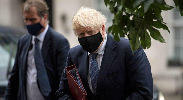 Covid Gran Bretagna, boom di nuovi contagi: 12.600 in 24 ore, 19 morti