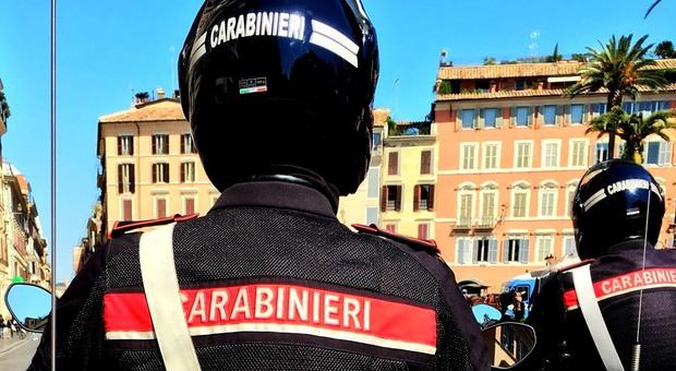 Roma, travolge auto provocando due feriti e scappa: individuato pirata della strada