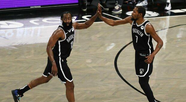 NBA, i Cavs rovinano l'esordio dei Big Three. Embiid super contro Boston